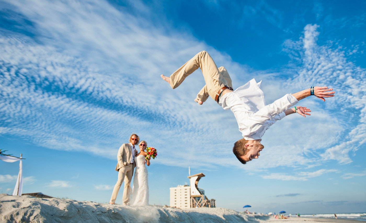 Downtown Wilmington, Wedding Event locations, bride groom walking